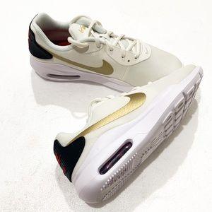 NWOB Nike Air Max Oketo